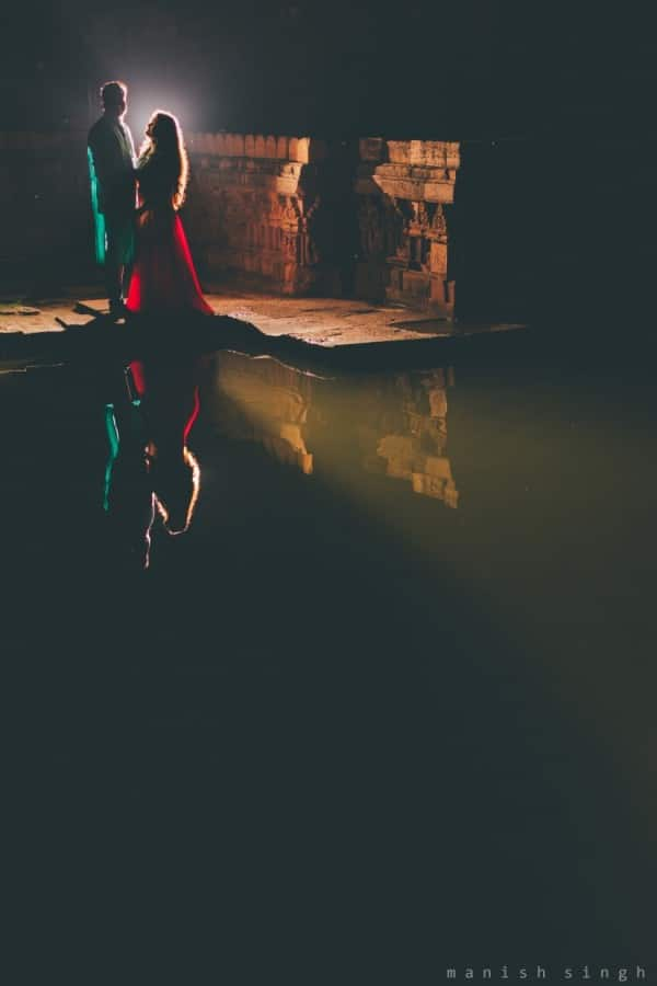 Manish Singh Photography Pre-wedding night backlit. Bhubaneswar
