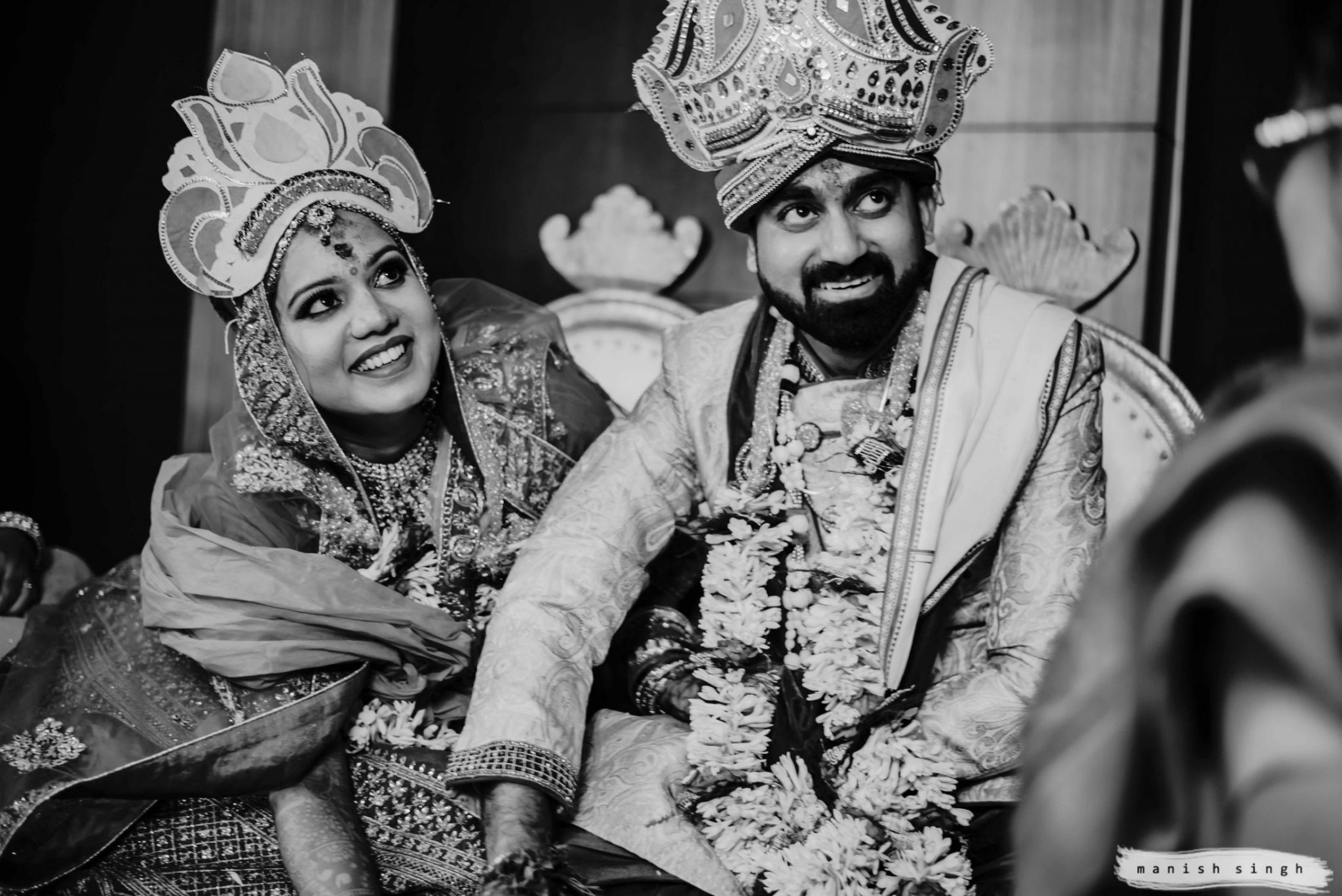 couple photo during hindu marriage ritual