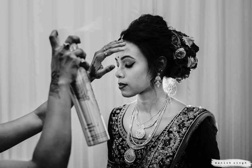 bride getting ready for wedding in bhubaneswar